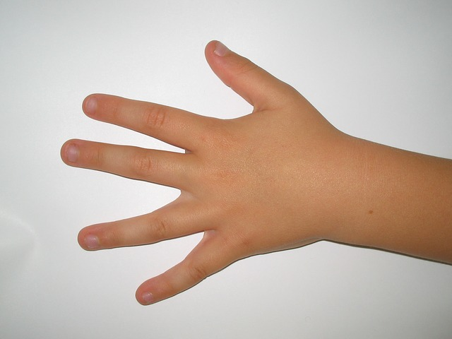 Free child hand fingers