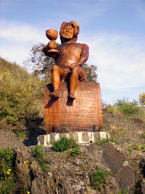 Free vineyard bacchus sculpture carving middle rhine