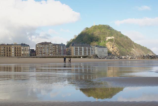 Free urgull san sebastian beach reflection