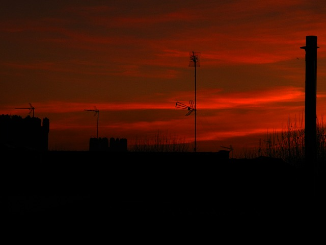 Free sky intense red