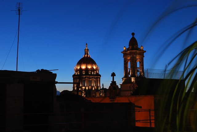 Free san miguel de allende mexico church skyline
