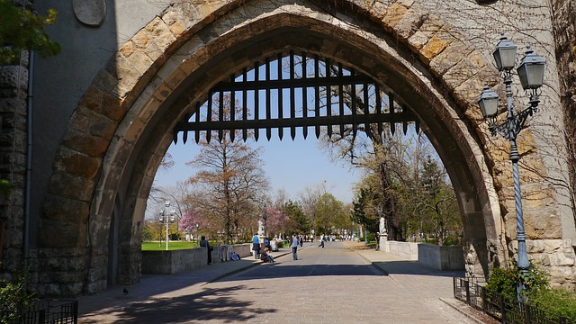 Free castle gate castle budapest
