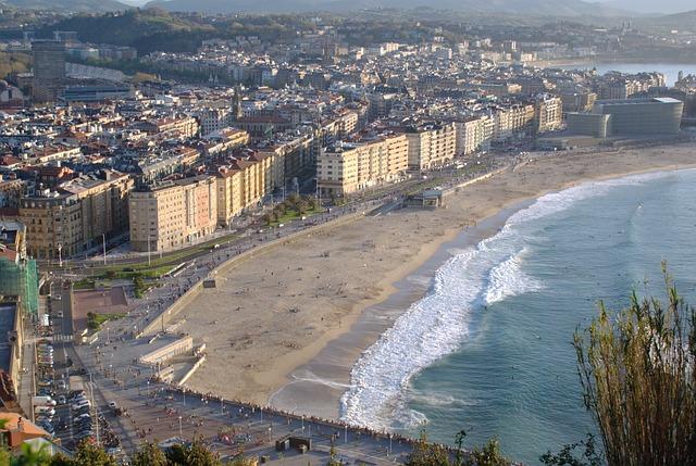Free zurriola beach san sebastian spring