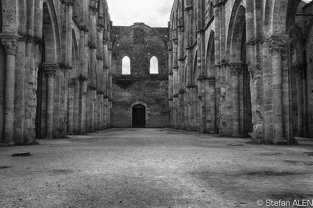 Free black and white monochrome tuscany italy monastery