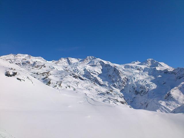 Free glacier di verrà monte rosa ski snowboard winter