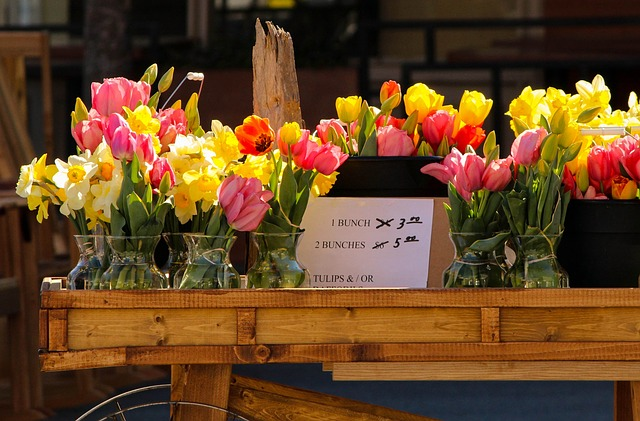 Free flower cart sale tulips daffodils outdoor market
