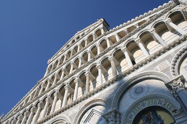 Free dome cathedral pisa italy piazza dei miricole