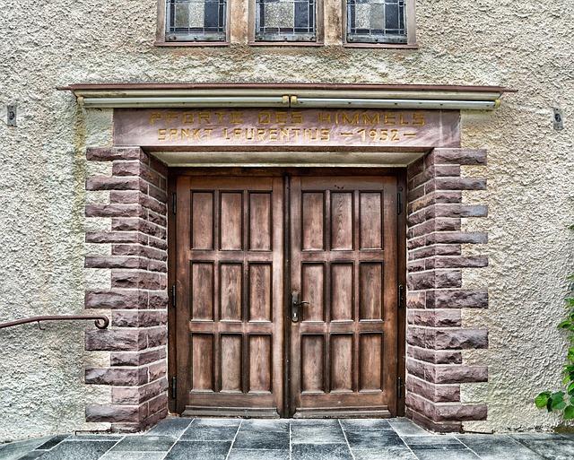 Free               schieder-schwalenberg germany church building door