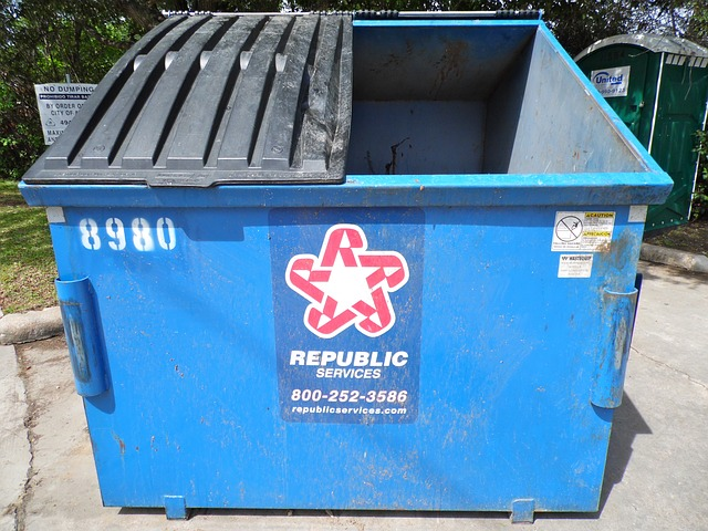 Free dumpster trash bin garbage trashcan container