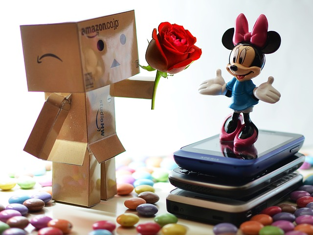 Free danbo love valentine toy candy japan mini mouse