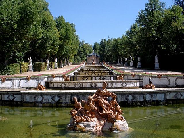 Free segovia spain fountain pond sculptures trees