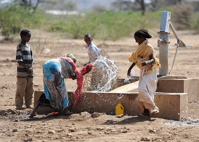 Free jedane ethiopia women children boys water