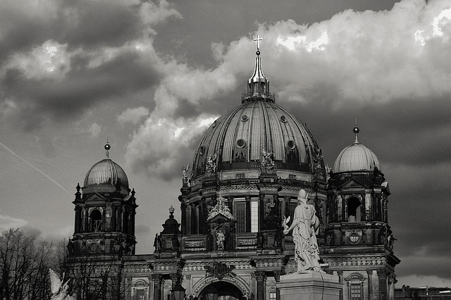 Free berlin dom capital dome building