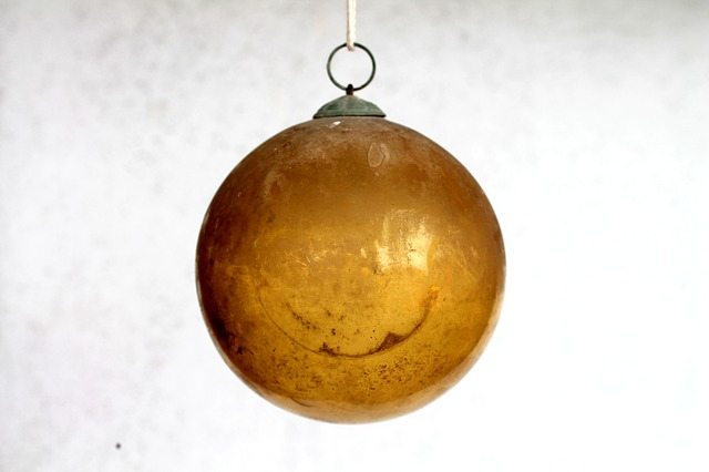Free ball glass yellow glass christmas ornament