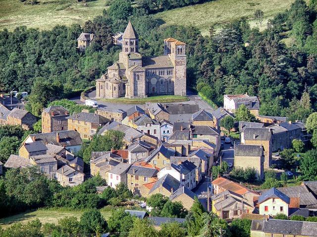 Free puy-de-dome france landscape town buildings church