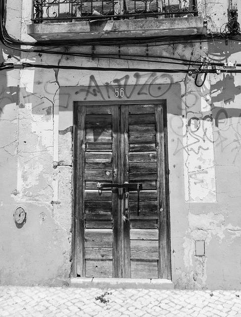 Free door decadence facade wood broken rusty