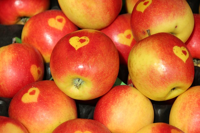 Free apple eat fruit healthy vegetarian vitamins red
