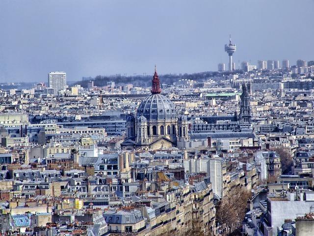 Free paris cityscape skyline buildings church