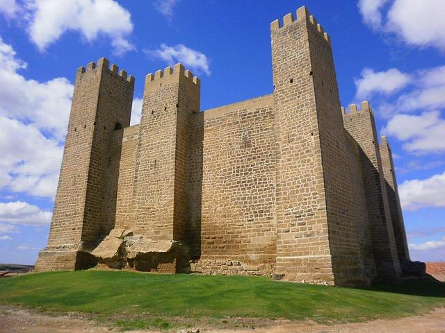 Free zaragoza spain castle building structure historic