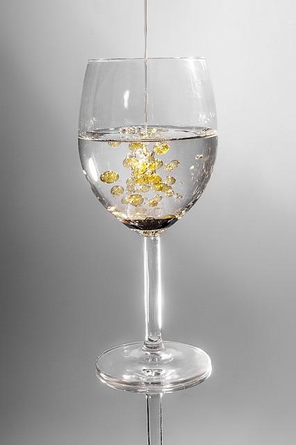Free               glass crystal glass drink oil liquid drip water