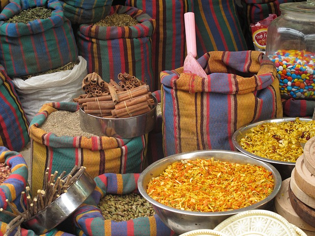 Free acco acre israel shuk market spices stripes bags