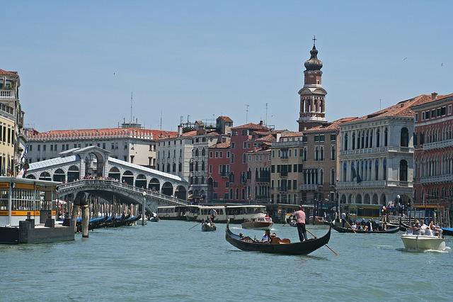 Free rialto bridge rialto venice italy canale grande