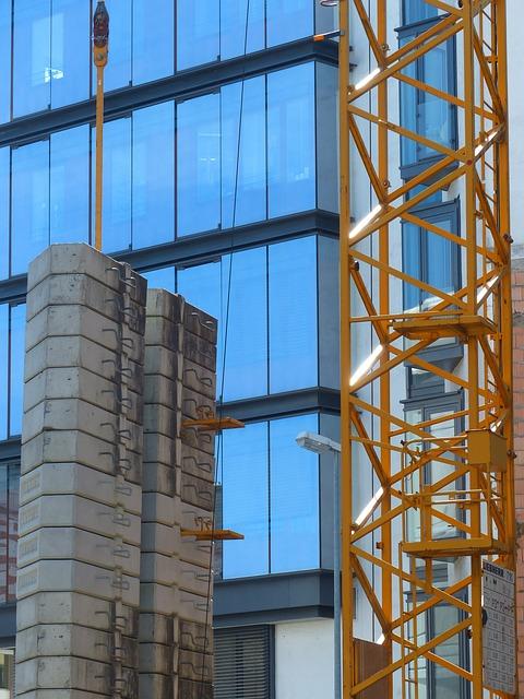 Free concrete slabs counterweight crane hard complain