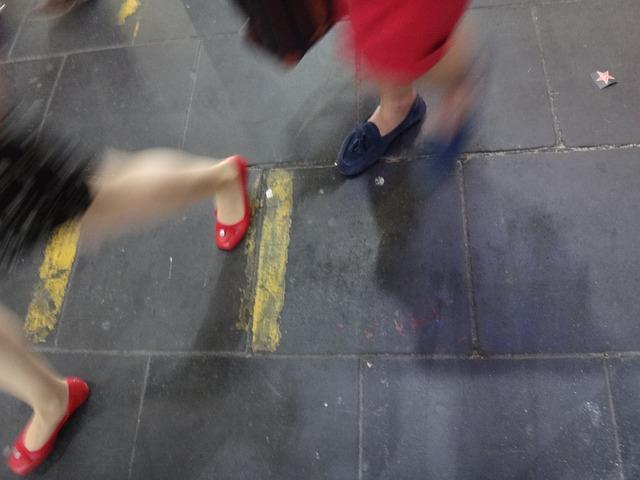 Free mark feet legs away fair contrast woman city
