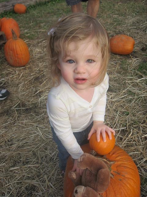 Free october halloween kids pumpkins