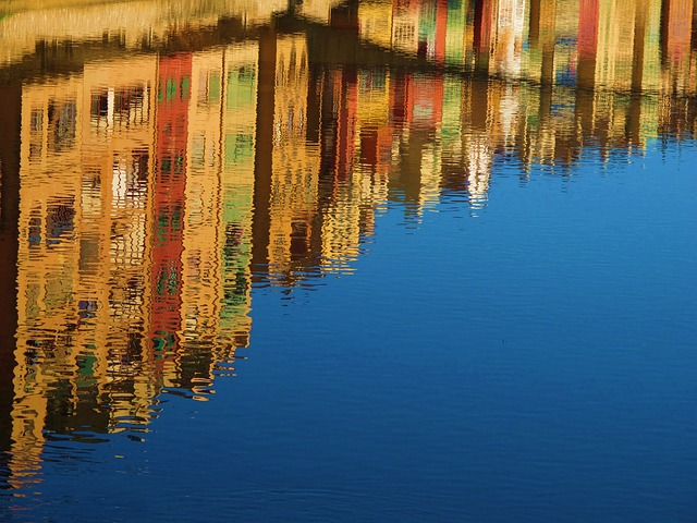 Free               reflection water canal mirroring travel spain