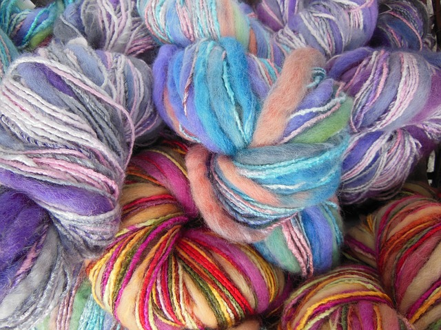 Free yarn colored multi-colored knitting needlework