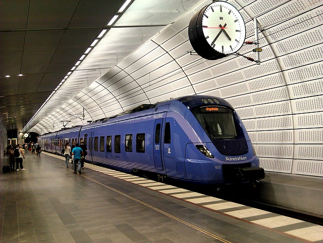 Free pågatåg sweden subway platform train