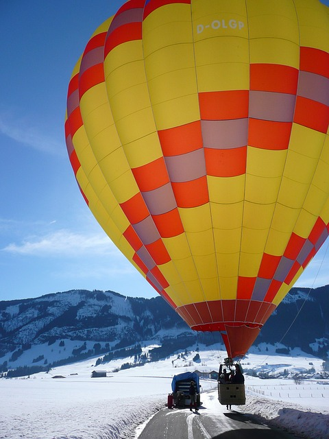 Free hot air balloon flight hot air balloon ride