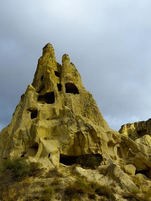 Free fairy chimneys uchisar fairy towers tufa apartments