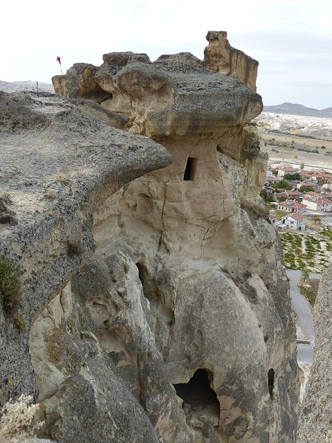 Free cavusin rock tufa climb great flag ascent avanos