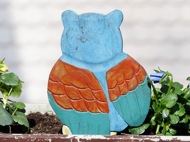 Free fig bird wood owl carved painted colorful color