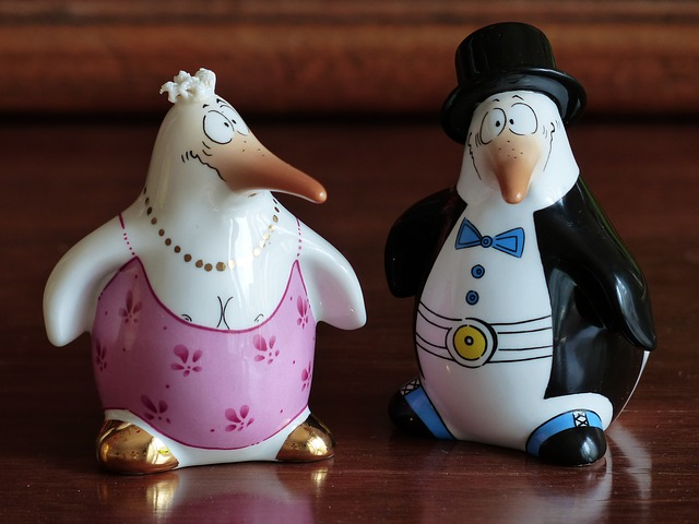 Free penguin bride groom fig porcelain sound painted