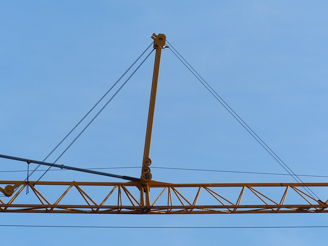 Free crane baukran site sky build lift loads last arm