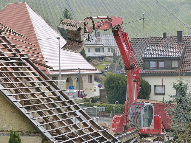 Free home demolition roof work excavators site