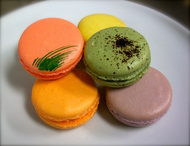 Free french macaroons dessert food artisan sweet