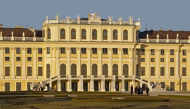 Free schönbrunn castle vienna austria landmark