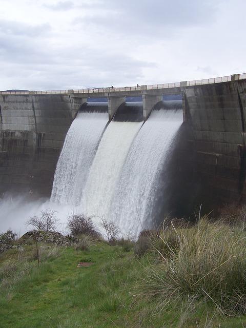 Free segovia dam pontoon spillway civil works