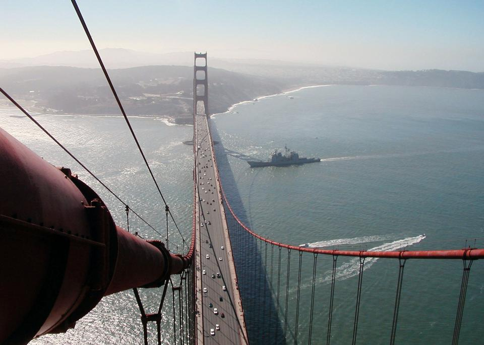 Free USS Mobile Bay arrives in San Francisco