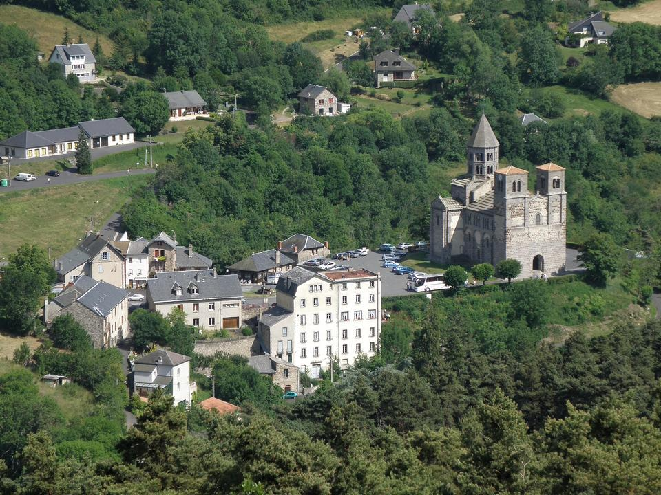 Free Aerial view of Saint-Nectaire, Auvergne, France