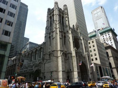 Free Saint Thomas Church in New York