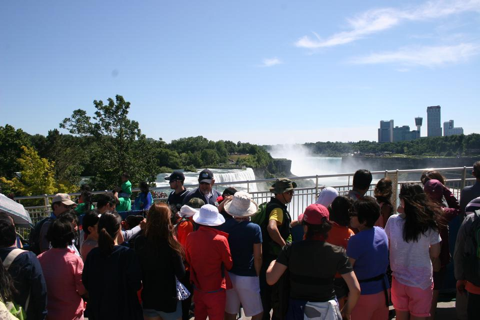 Free Niagara Falls, and Maid of the Mist Tower