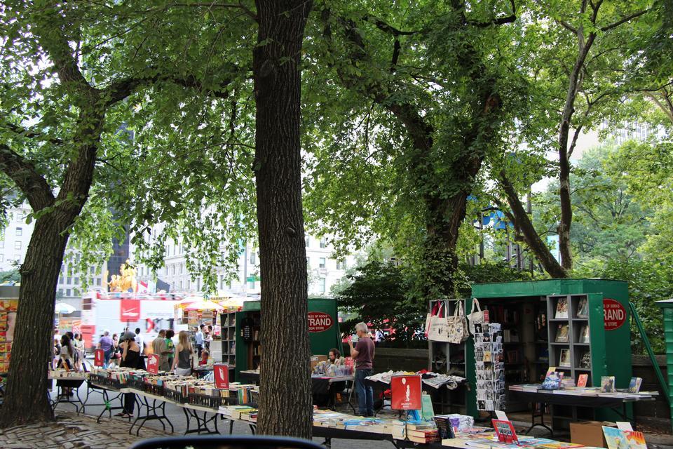 Free Holiday Markets and Fairs in NY