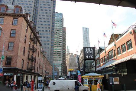 Free Pier 17 at Lower Manhattan in New York