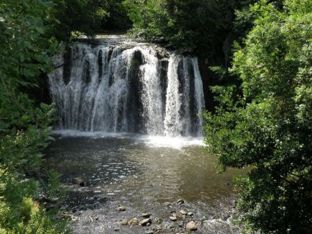 Free A waterfalls at the Herison park