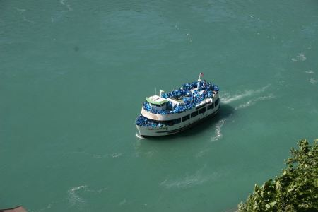 Free Maid of the Mist boat tour in Niagara Falls